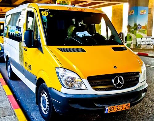 Sherut share taxi between Jerusalem and Tel Aviv