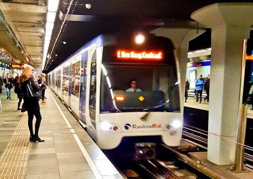 Rotterdam Metro to The Hague, €2,90, 30 minutes