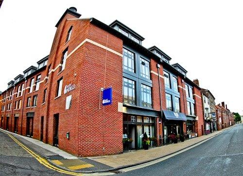Hotel Indigo York, Location