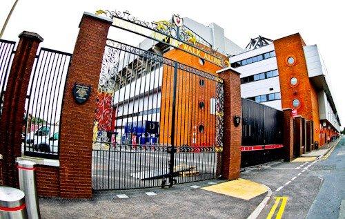 Las Puertas Shankly, Estadio Anfield
