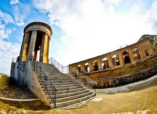 Single Bell War Memorial, Valletta