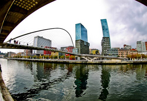 Iberdrola Tower and Zibizuri bridge