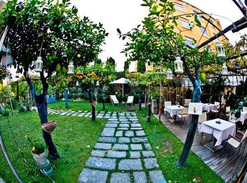 Hotel Forum Pompei - outdoor patio