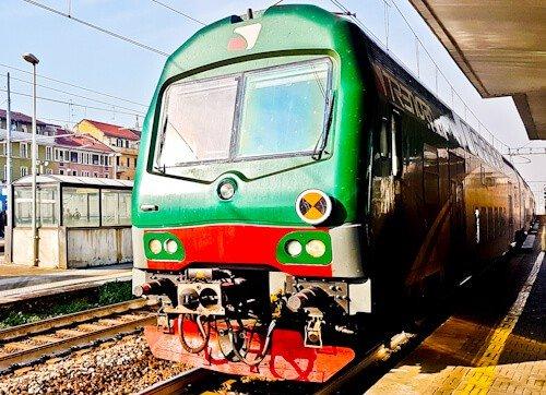 Train from Milan to Brescia