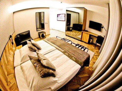 Urban Hotel Ljubljana - guest room