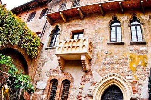 Juliet's balcony Casa di Giulietta, Verona