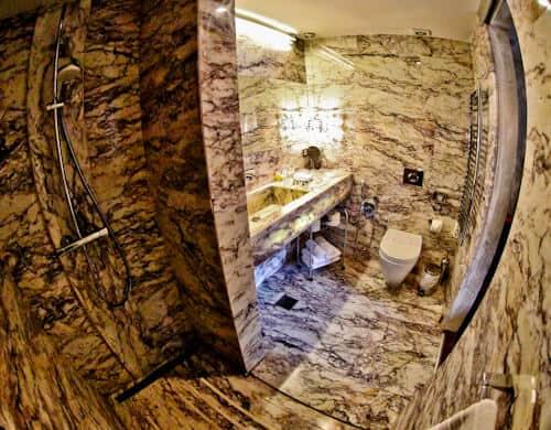 Astoria Boutique Hotel, Kotor Montenegro - en suite bathroom