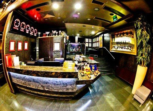 Hotel Prezident Novi Sad, Travel Blogger Review - check in