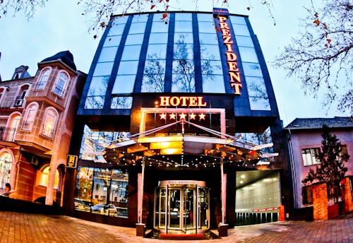 Hotel Prezident Novi Sad, Travel Blogger Review - Location