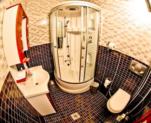 Hotel Denis Prishtina Kosovo, Travel Blogger Review - en suite bathroom