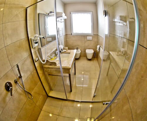 Hotel Amfiteatri Boutique Hotel Durres, Albania - en suite bathroom