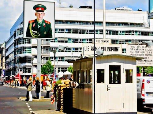 Berlin Landmarks - Checkpoint Charlie