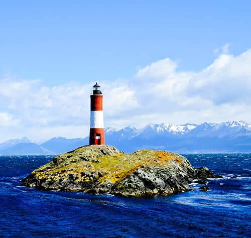 Things to do in Ushuaia Argentina - Les Eclaireurs Lighthouse