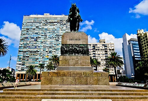 Things to do in Montevideo - Independence Plaza