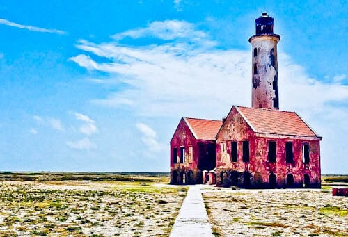 Things to do in Curacao - Little Curacao and Klein Lighthouse