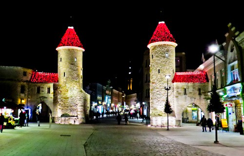 Things to do in Tallinn - Viru Gates and City Walls