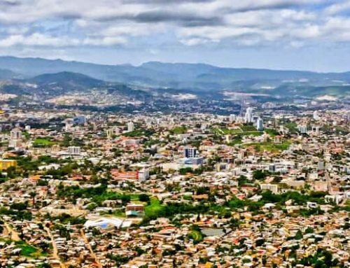 Things to do in Tegucigalpa Honduras + Bus to El Salvador