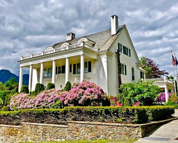 Alaska Governor's Mansion (famous for Sara Palin)