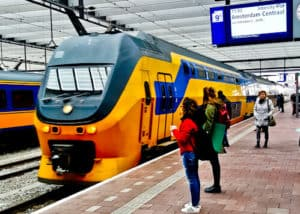Train from Utrecht to Amsterdam, 22 minutes