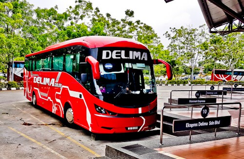 Bus from Melaka to Singapore, 3 hours