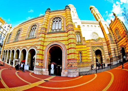 Things to do in Budapest - Dohany Street Synagogue