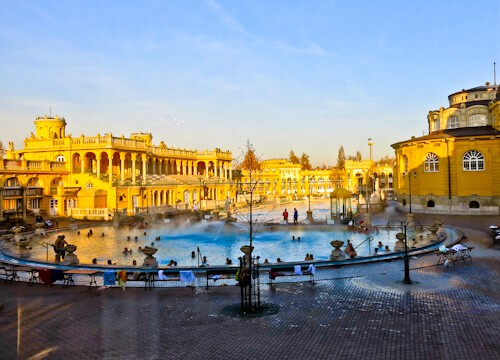 Things to do in Budapest - Szechenyi Thermal / Medicinal Baths