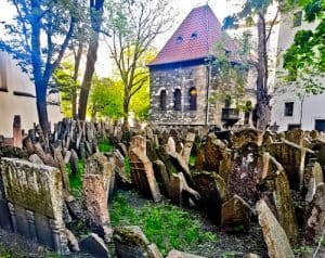 Things to do in Prague - Old Jewish Cemetery