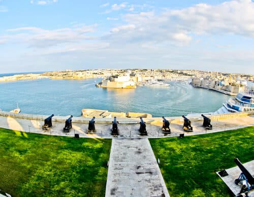 Things to do in Valletta - Malta - Saluting Battery