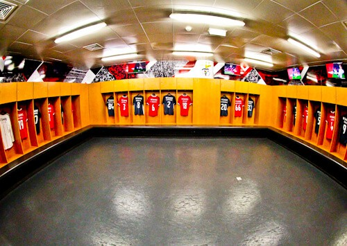 Benfica stadium tour, Estadio da Luz, away team dressing room