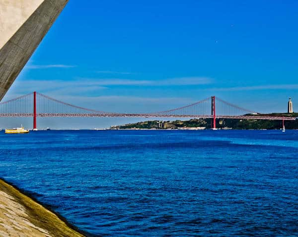 Things to do in Lisbon Portugal - Ponte 25 de Abril
