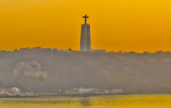 Things to do in Lisbon Portugal - Cristo Rei
