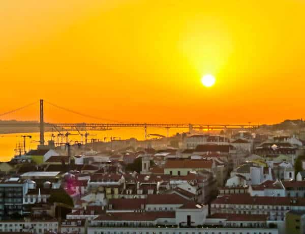 Things to do in Lisbon Portugal - Sunset from Sao Jorge castle
