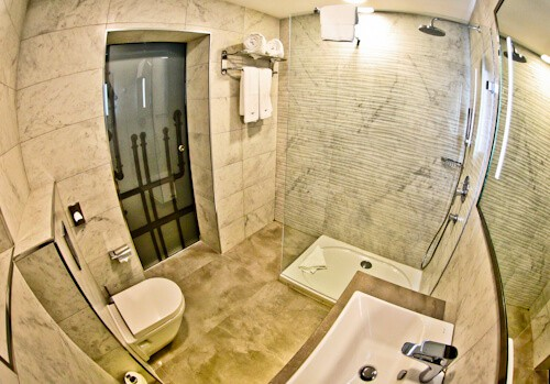 Valletta Hotels - The Saint John Boutique Hotel - Malta - guest bathroom