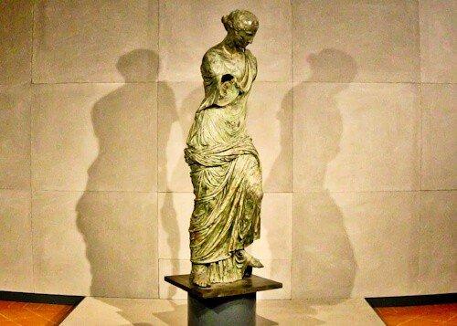 The Winged Victory, Brescia, bronze statue, Santa Giulia Museum