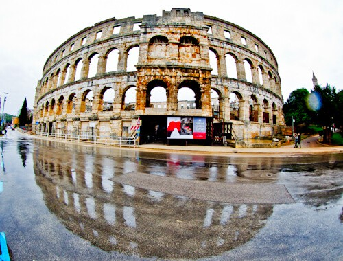 Pula Arena Croatia Roman Amphitheater, Location