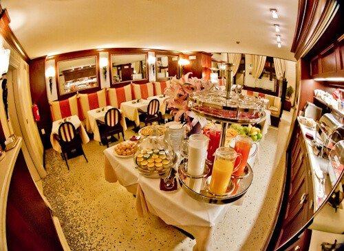 Victoria Hotel Letterario Trieste, complimentary buffet breakfast