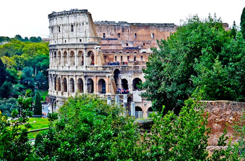 Photographing the Colosseum, Flavian Amphitheater in Rome, Italy - photography