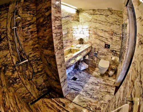Astoria Boutique Hotel, Kotor Montenegro - en suite bathroom