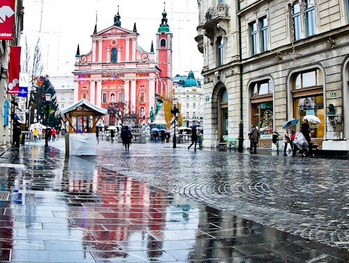 Things to do in Ljubljana - Slovenia - Franciscan Church of the Annunciation and Preseren Square