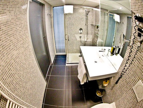 Hotel Thermana Park Lasko, Slovenia Spa Region - en suite bathroom