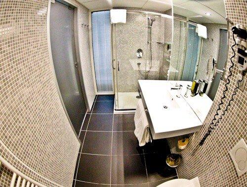 Hotel Thermana Park Lasko, Slovenia Spa Region - en suite bathroom