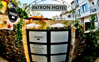 Patron Boutique Hotel - Antalya Turkey Hotels - courtyard entrance
