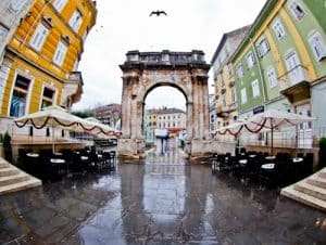 Arch of the Sergii Pula