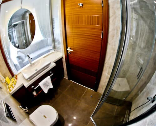 Istanbul Hotels - Hotel Momento Golden Horn - ensuite bathroom