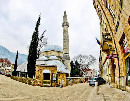 Mostar - Things to do in Mostar - Karadjoz Bey Mosque