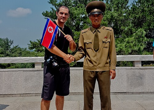 People Photography in North Korea - Korean Soldier Selfie