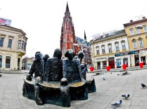 Things to do in Osijek - Group of Citizens Statue