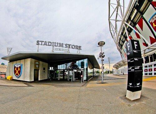 West Ham Stadium Tour - London Stadium - Meeting Point Stadium Store