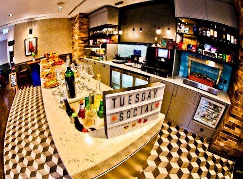 South Point Suite - London Bridge Hotel - Social Hour