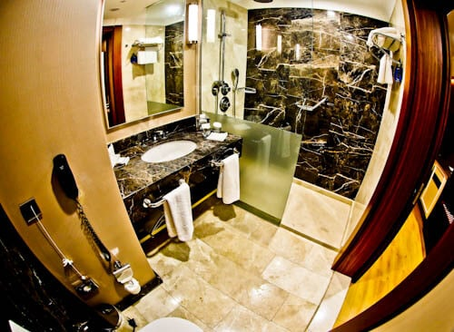 Radisson Blu Hotel Diyarbakir Turkey Kurdistan - En-suite Bathroom